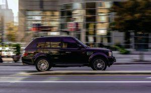 Gros SUV polluant